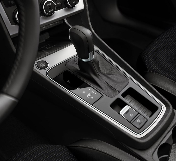 SEAT Leon Estate - Start/Stop engine button
