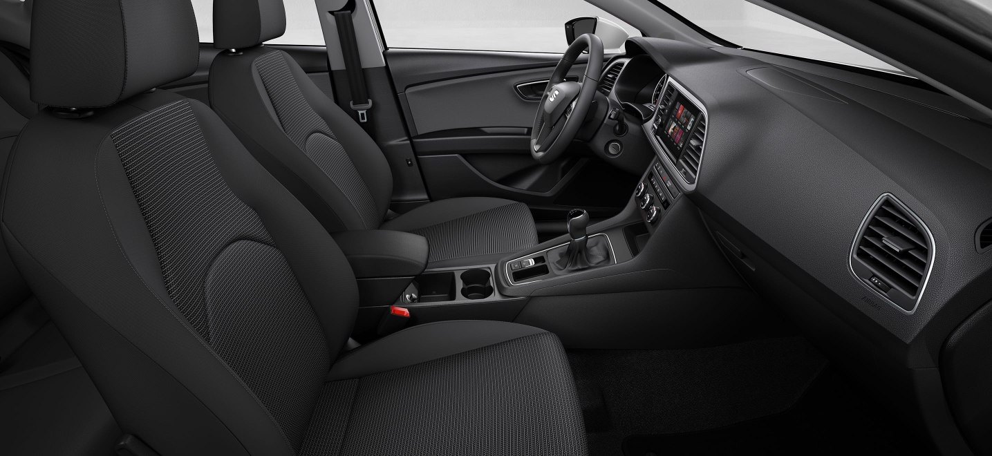 SEAT Leon Estate - Front interior